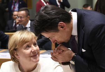 Sapelli: solo prestiti e tasse, così l'Ue farà a pezzi l'Italia