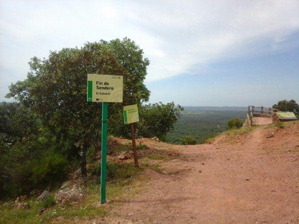 le clocher ce matin au départ de Castilblanco voyez vous les cigognes?