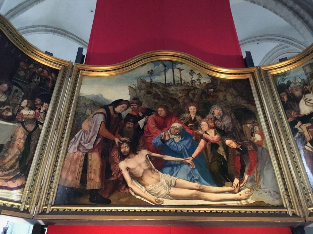 Quentin Metsys, la Déploration du Christ, Retable de la corporation des menuisiers, 1509-1511, Huile sur panneau, 260 x 263 cm (panneau central), 260 x 120 cm (volets latéraux)