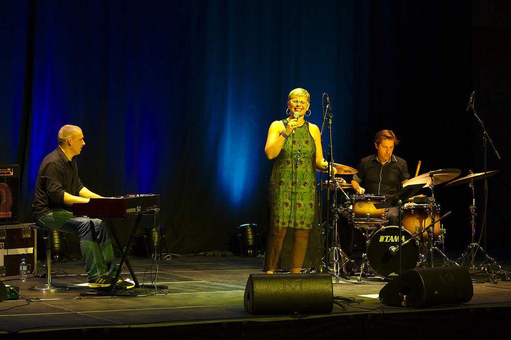 """2015-06-13 Tambourinis 2015 : """"Valérie Graschaire Trio"""", salle des Capucins à Is-sur-Tille"""