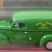 FORD SEDAN DELIVERY 1940 JOHN DEERE JOHNNY LIGHTNING 1/64 - car-collector.net