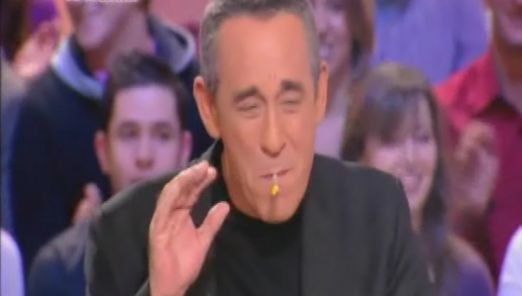 Zapping : Thierry Ardisson fume un joint au Grand Journal