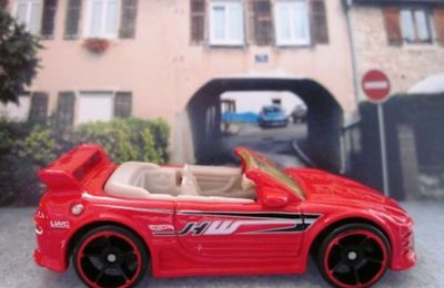 MITSUBISHI ECLIPSE CABRIOLET HOT WHEELS 1/64