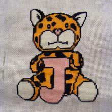 ABC animaux, le J comme jaguar , broderie main et machine.
