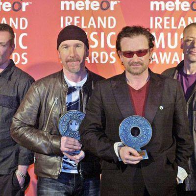 U2 -Meteor Ireland Music Awards -Théâtre de pointe -Dublin  -03/03/2003