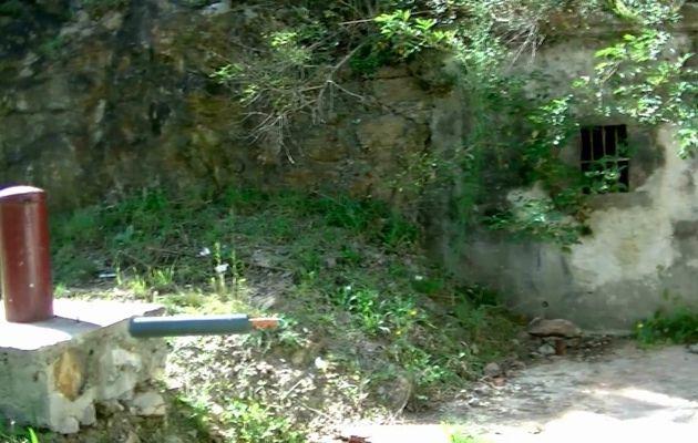 SOURCE PETILLANTE SALEE A BEAULIEU (63) Vidéo