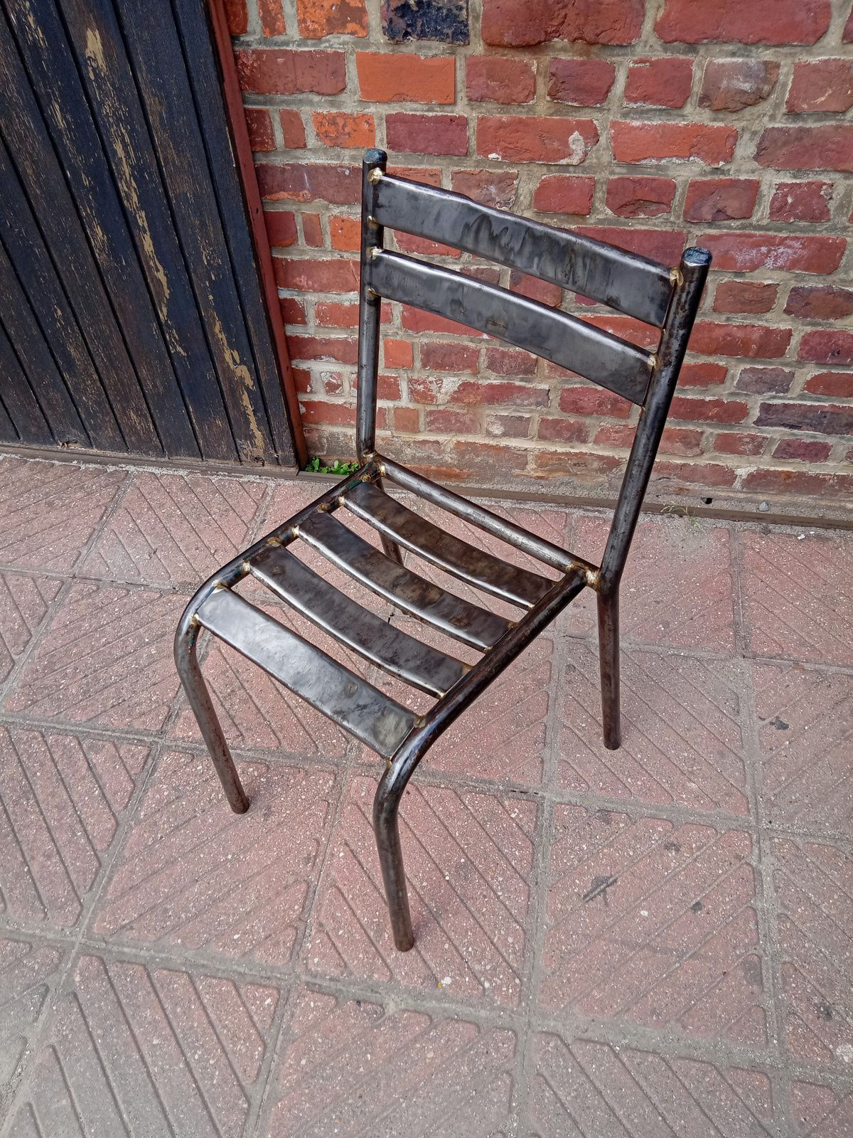 CHAISE METAL