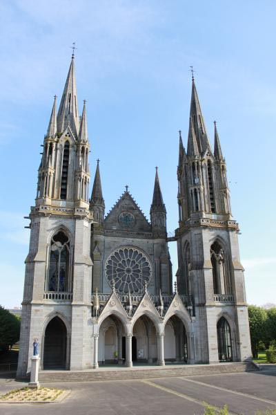 Basilique Notre Dame de Pontmain