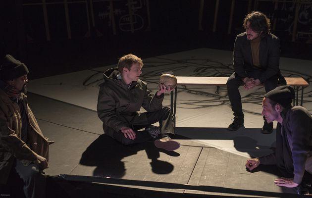 La Tragédie d'Hamlet. Pauvres humains qui tels que nous vivez…