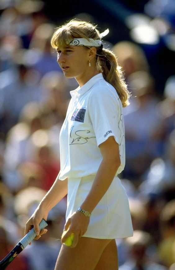 Steffi Graf - Wimbledon 1990; found on tennisarchive Tumblr account