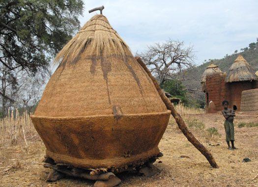 Imágenes vivienda tradicional, Togo.- El Muni.