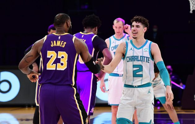 LeBron James (37 points) et les Lakers viennent à bout des Hornets de LaMelo Ball (26 points)