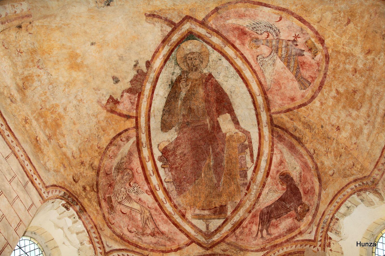 Eglise Saint-Genest de Lavardin : le Christ en majesté entouré du tétramorphe