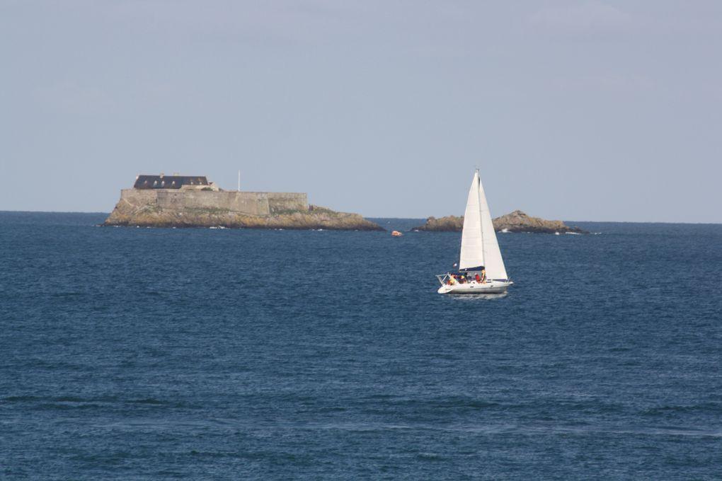 Vues de Saint-Malo et de la pointe du Grouin, prises entre le 29 avril et le 4 mai 2013.