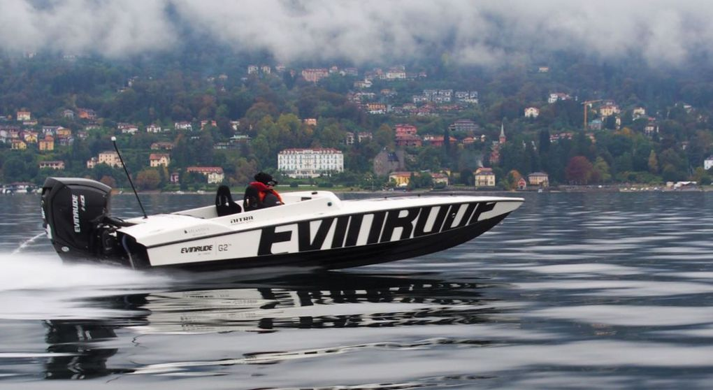 Two Nitra 22P, flying on the Lago Maggiore !