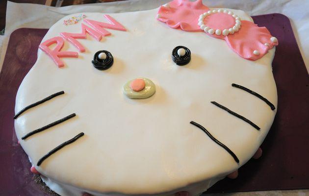 Gâteau Hello-Kitty