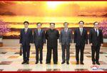경애하는 최고령도자 김정은동지께서 남조선대통령의 특사대표단 성원들을 접견하시였다