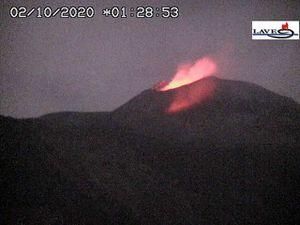 Etna NSEC - poursuite de l'activité strombolienne le 01.10.2020 / 22h28 et le 02.10.2020 / 01h28 - webcam LAVE - un clic pour agrandir