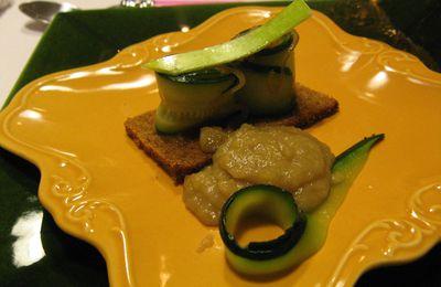 Petits roulés de courgettes oignons pommes vertes, confit de carthagène au safran des Cévennes