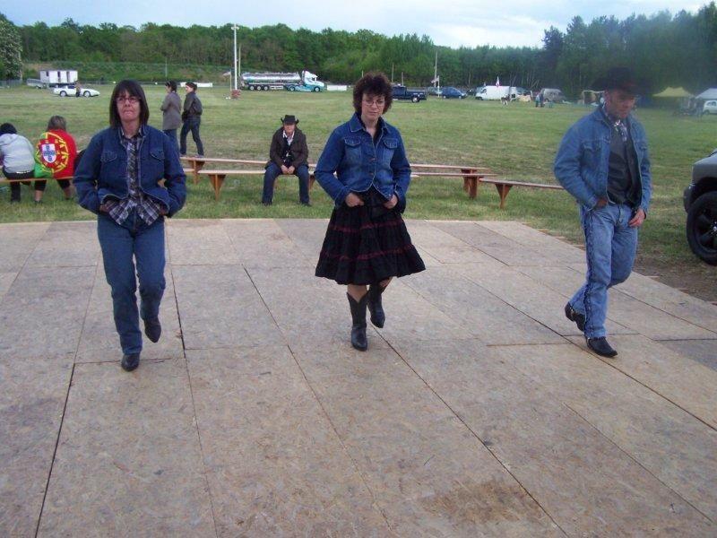 Festival un peu perturbé le 2 mai par un orage mais il y avait quand même 5 Cowboys de Nogent