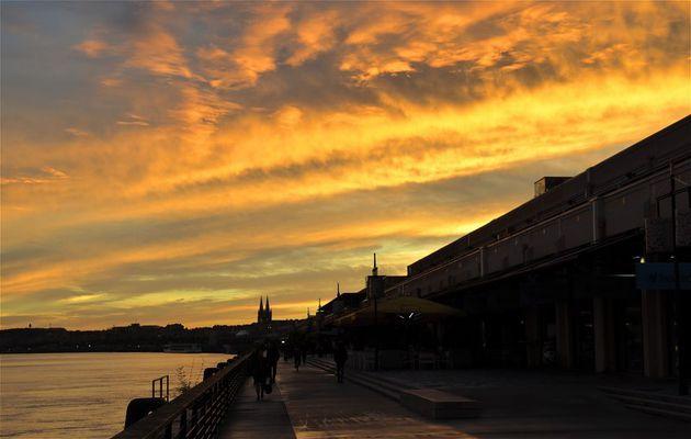 Impression au soleil couchant Bordeaux