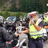 ARTE Regards - Les bikers contre les citadins - Regarder le documentaire complet | ARTE