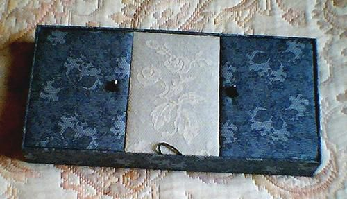 La boîte trois couvercles d'Elyane ...