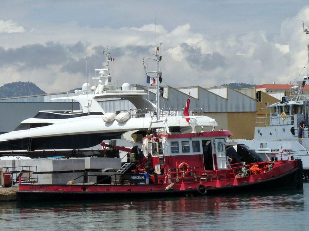 """PERCEVAL , en entretient dans le chantier """"Fosseley Marine """" à la Seyne sur Mer"""