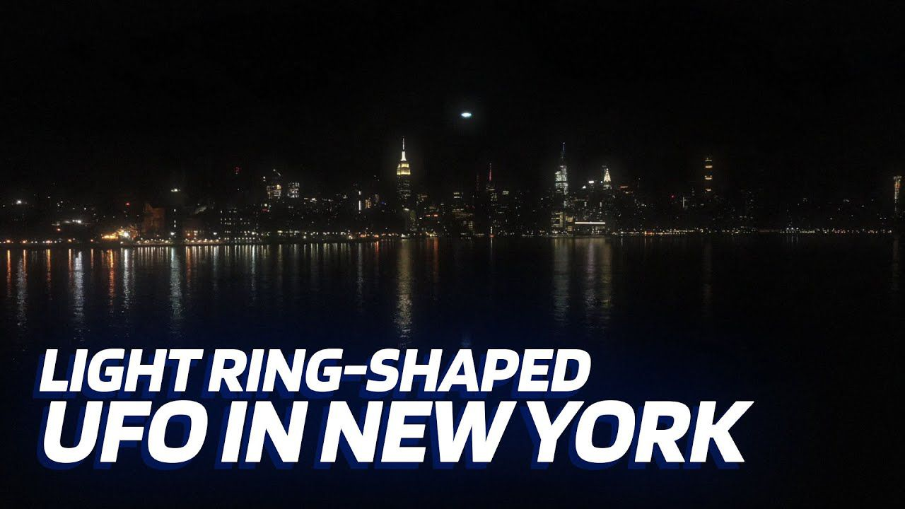 Light ring-shaped UFO flies over the HUDSON RIVER in NEW-YORK 👽 UFO SIGHTING (CGI)