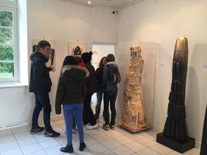 exposition d 'art moderne au château Lescombes à 1 km de l 'EREA