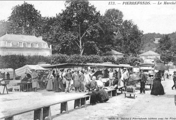 Album - le village de Pierrefonds (Oise), la gare, les places, l'église
