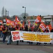 Près de 400 personnes dans la rue contre la loi Travail
