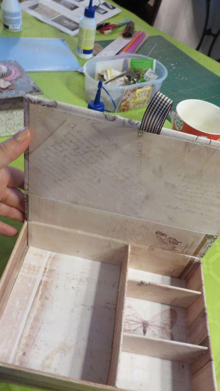 Réalisation de la boite à bijoux, du cartonnage mais recouvert de papier... jolie diversité !