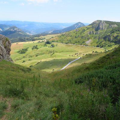 Le mont Mézenc 4 : du sommet au col de la Croix des Boutières / Balade en Ardèche