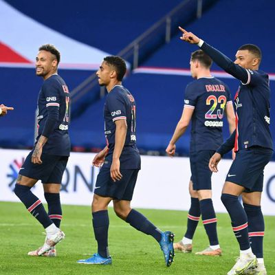 Une belle victoire contre Reims met Paris à un point de Lille