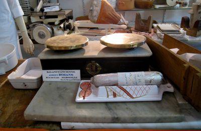 Balances, musée de la charcuterie de Crots