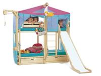 Tre composizioni diverse dotate di letto, tenda per il gioco, scivolo, contenitori a due letti o a un letto solo, provviste di vari accessori.