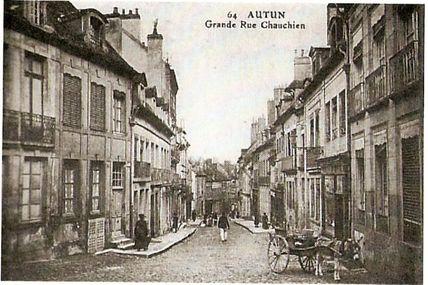Quartier centre ville : la grande rue Chauchien.