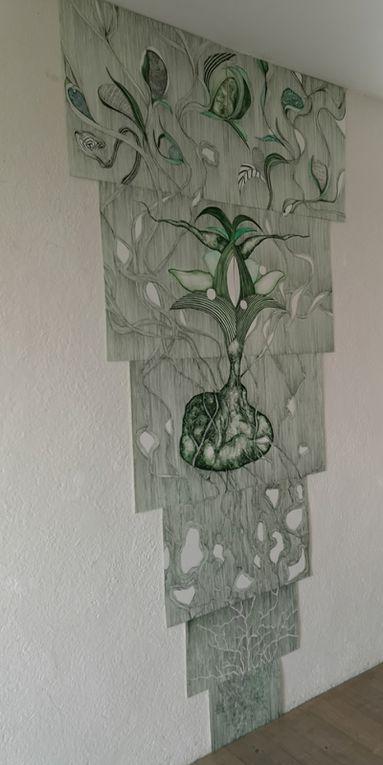 Feuilles, trois installations de Madeleine Doré, papier découpé, aquarelle