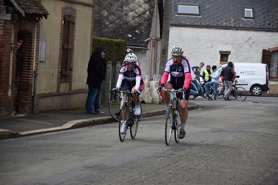 Album photos des courses UFOLEP 3 et GS de Marville Les Bois (28)