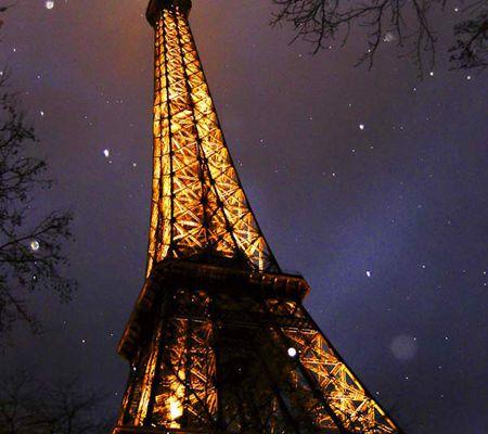 La Tour Eiffel sous la neige. (12/2003)