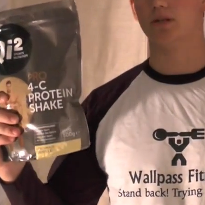 Qi2 Pro Protein Shake von McFit - Supplementeanalyse von Johnnie Wallpass