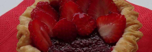 Tartelettes à la compote de fraises et fraises