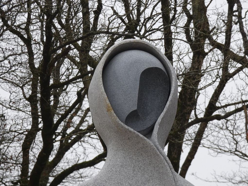 113 statues à la vallée des Saints !