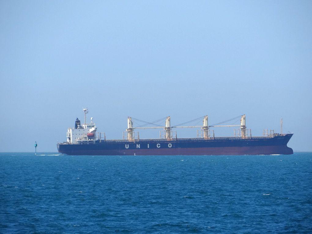 UNICO ANNA  , en transit dans le golfe de Fos Sur Mer le 21 mai 2016