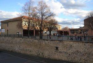 Restructuration des écoles de Brioude: la destruction  de l'école publique est confirmée par le représentant de l'Etat !
