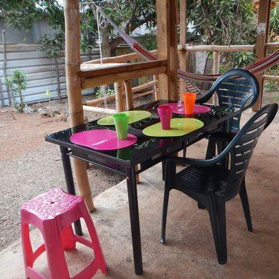 La terrasse transformée en salle à manger