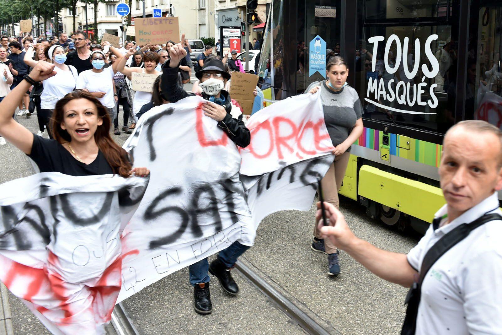 SAMEDI 24 JUILLET, 1500 MANIFESTANTS UNIS POUR NOS LIBERTES !