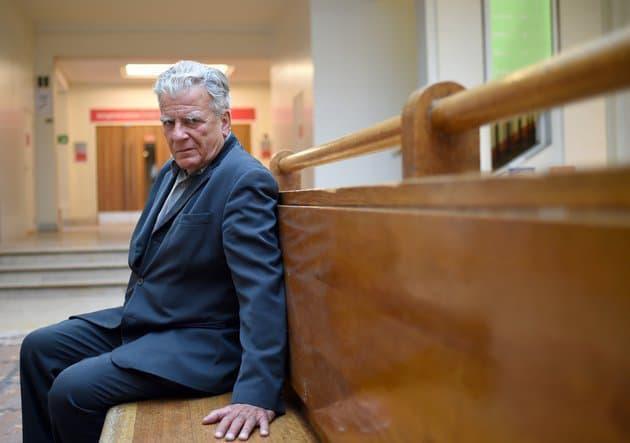 Olivier #Duhamel accusé d'#inceste : ce qu'il aurait reconnu avoir fait au frère de Camille #Kouchner face aux enquêteurs