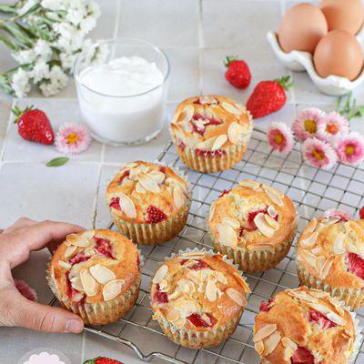Muffins noix de coco, fraises et amande